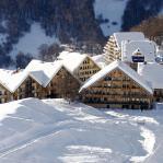 """Borgo """"Stalle Lunghe"""" a Prato Nevoso - vista d'insieme da monte"""